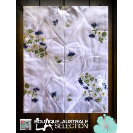 Nappe brodée Madagascar bouquet fleurs et blés bleu & blanche: 1er choix.