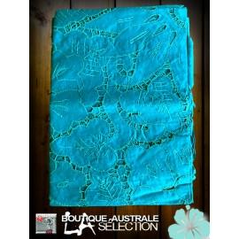 Les broderies ajourées bleus, Les nappes romantiques