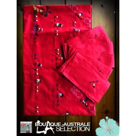 Les nappes madagascar couleur rouge: broderies personnages