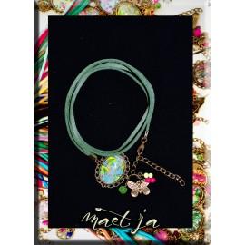 Bracelets gris-gris artistiques Maëtja. Green Flowers