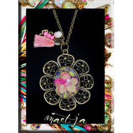 Colliers Gri-gri création Maëtja. Pink & green. Bijoux Réunion